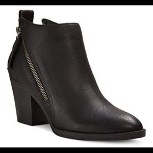 DV Dolce Vita zip up heel ankle boot 9.5